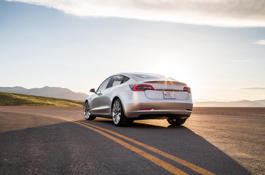 2017-Tesla-Model-3-rear-three-quarter-02